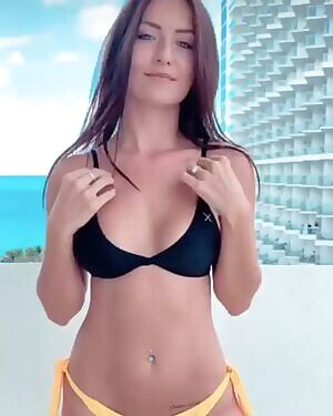 nackt Pixie Le Knot Alle Nacktauftritte